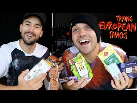 ITALIANS TRY EUROPEAN SNACKS FOR THE FIRST TIME!! with Jeff