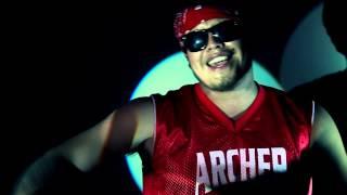 Radio Revuelta -  Estirada y Aburrida (video oficial)