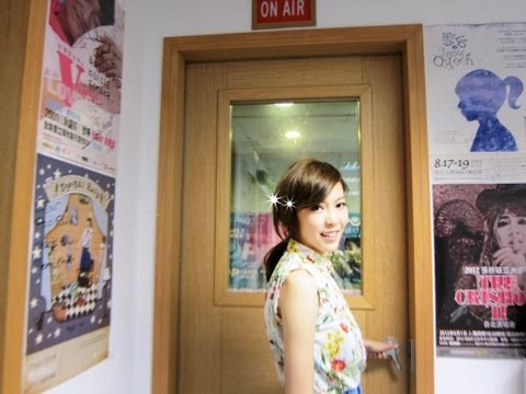 2013.5.28. Olivia Ong @ What's Up Music  POP Radio FM91.7 LIVE 訪問