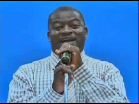 Pastor Danda E Igreja Cantando Em Dialetto Africano