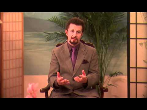 (3 of 13) Hippocrates Dr. Brian Clement: E3Live is Beyond a Superfood -- Food of the Future
