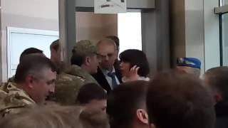 Депутат Татьяна Черновол поругалась с ветераном АТО.  Комитет ВР