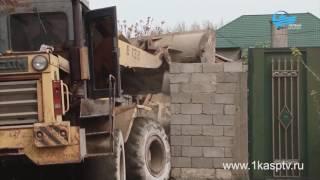 В Каспийске продолжается борьба с незаконными пристройками