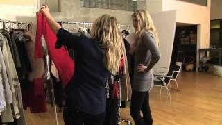 Elle and Blair Fowler Visit JewelMint thumbnail