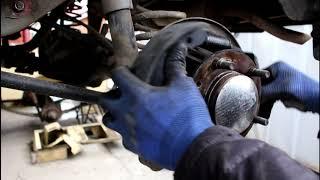 Замена задних тормозных колодок барабанов и цилиндров Chevrolet Niva 4х4 Шевроле Нива 2005 года