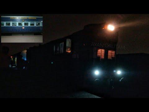 22166 singrauli-bhopal sf exp departing from singrauli railway station