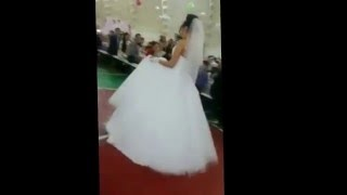 Красиво поют на свадьбах