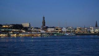 Hamburg, Germany: Hafen (Harbor), Landungsbrücken, Nachtanbruch (Nightfall) - 4K Video Photo(Video Image 4K Channels: http://www.videoimage4k.com Videobilder Channels: http://www.videobilder.eu Recording date: 02-2016 Notes: Video Photos are ..., 2016-03-06T14:21:09.000Z)