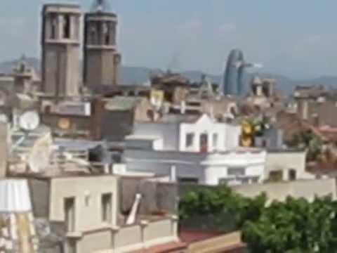 Turism in Barcelona. Terasa palatului Güell