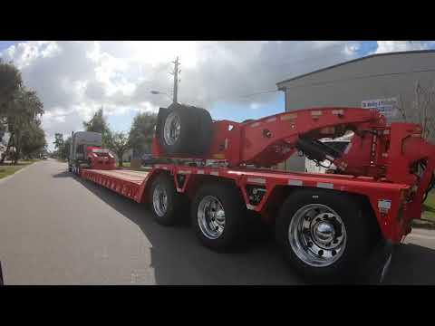 Globe Trailers: Del Rio Transports Red Hot Lowboy