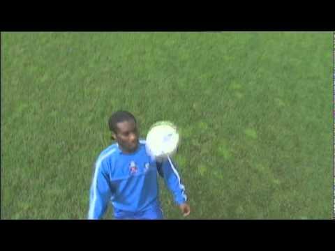 Jay Jay Okocha juggling