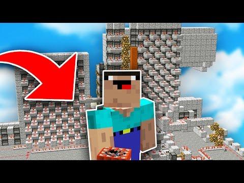 NOOB vs PRO RAIDERS in Minecraft TNT WARS...