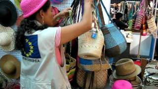 Colombian Weavers Art Crafts from Narino, Sandona - 18-Dec-09 Video...