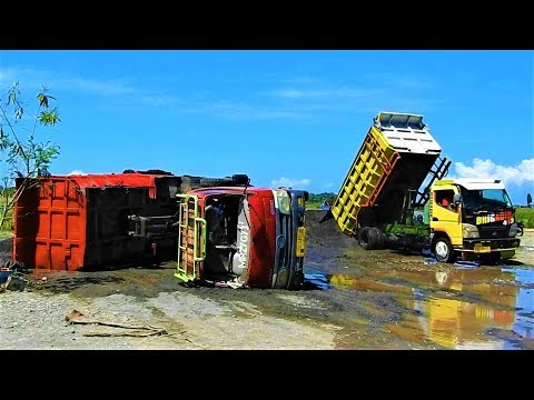 Dump Truck Crash Tip Over Recovery By Wheel Loader Toyota Dyna 130HT