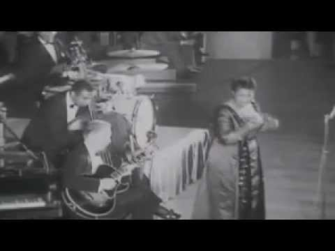 Ella Fitzgerald: I Can't Give You Anything But Love (Live)