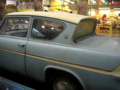 ford anglia from harry potter exhibit chicago youtube. Black Bedroom Furniture Sets. Home Design Ideas