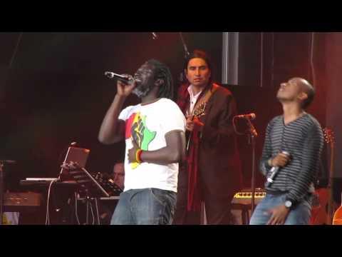 Tiken Jah Fakoly et Soprano chantent