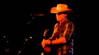"""Dustin Lynch """"Thank a Farmer"""" at 8 Seconds Saloon - Indianapolis, IN - James Wesley"""