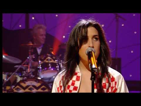 Amy Winehouse - Teach Me Tonight (Live At Jools Holland '04)