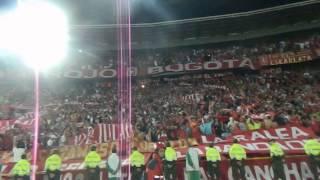 Disturbio Rojo Bogota- Miy8z (31/07/2013)/ Se va a caer la popular
