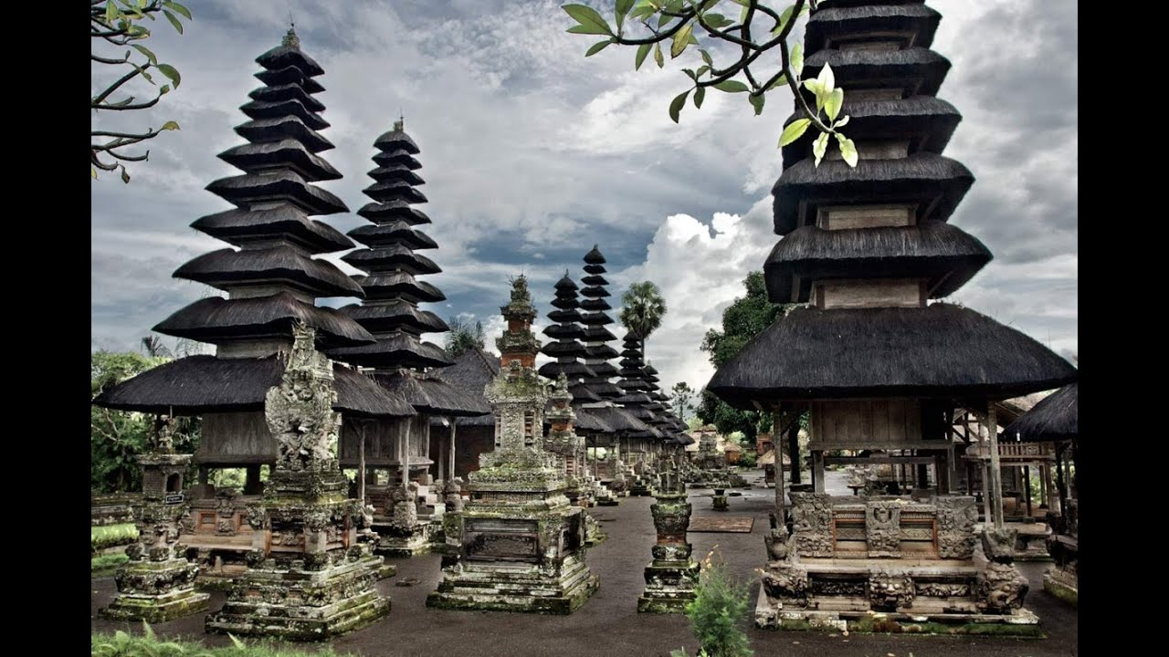 Amazing Temple In Bali Pura Taman Ayun Youtube