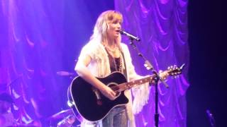 Jennifer Nettles in Shawnee, Oklahoma
