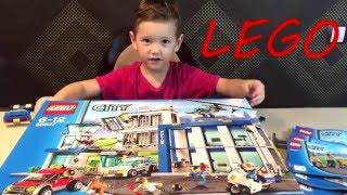 Марат собирает конструктор LEGO Полицейский участок - тюрьма(В этом видео мы распаковываем и собираем с родителями конструктор Lego City. Огромный полицейский участок с..., 2016-01-10T14:29:49.000Z)