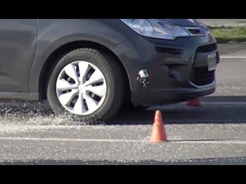 La ADEHERENCIA de los neumáticos.