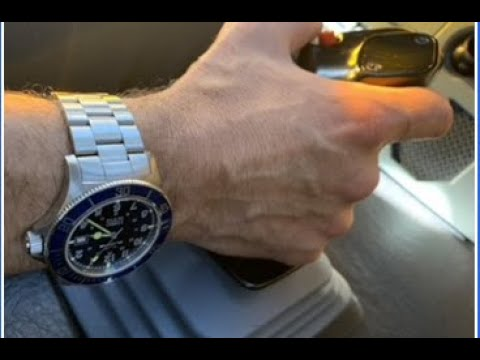 Watches for pilots: Glycine Combat Sub review