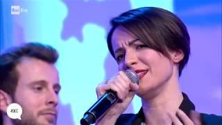 Andrea Delogu canta
