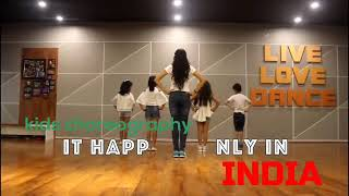 15th AUGUST DANCE/ PATRIOTIC DANCE/ IT HAPPENS ONLY IN INDIA/ INDEPENDENCE DAY HAPPY DANCE