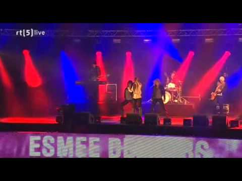 Esmee Denters - Outta Here ( Live New Years Eve 2009 - 2010 )