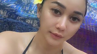 Download Video Aura Kasih Sexy Hot Mom MP3 3GP MP4