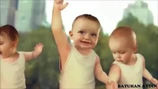 Manuş Baba - Eteği Belinde Bebek Versiyon Video