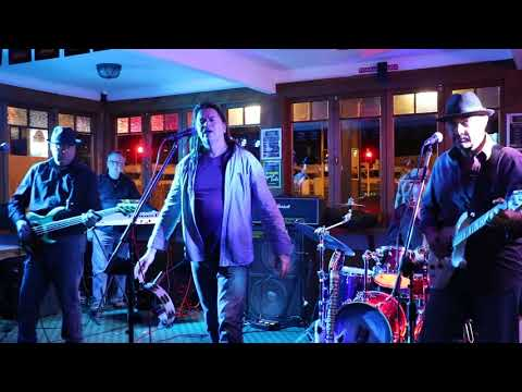 A cover by HitRadio!  the well regarded Wellington band