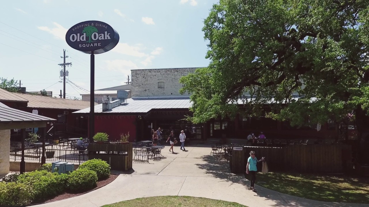 Old Oak Square - Marble Falls, TX
