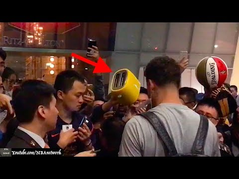 Chinese Fan Brings Toaster for Klay Thompson in Shanghai!