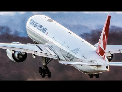 BOEING 777 super close-up LANDING and DEPARTURE (4K)