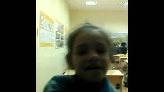Наш уголок в классе(Я нахожусь в школе знакомлю вас со своей подружкой Виолетты показывай свой классный уголок., 2016-01-15T17:24:08.000Z)