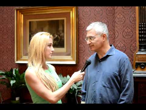Ginna interviews Louis Psihoyos - Director, The Cove