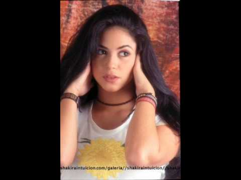 Shakira With Black Hair Her Old Pictures Youtube