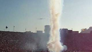 Stealth Bomber B2 Spirit flies over 2009 Rose Bowl USC-PSU game!