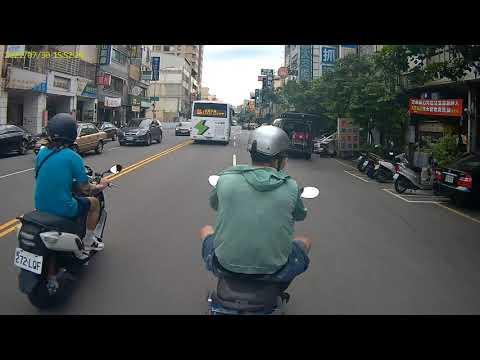 漢口路往台灣大道方向 逼車垃圾 想切就切