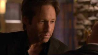 Californication Season 3 Episode 2 bar scene - Hank Moody tricks Charlie on gay story. S3E02