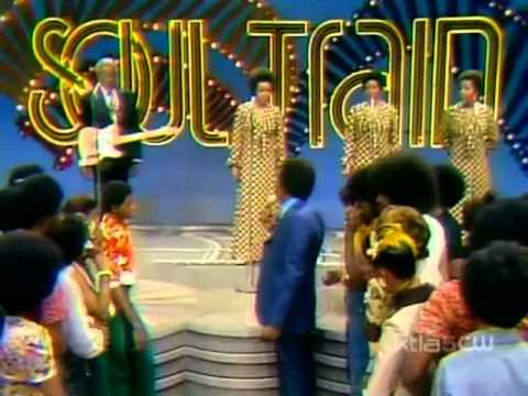 The Staple Singers - Reach Out, Touch A Hand, Make A Friend [+Interview] Soul Train 1974