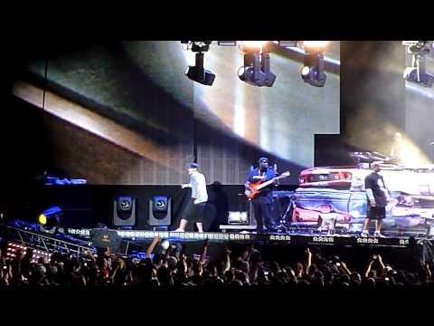 Eminem - Lose Yourself (HD) - Live at Yankee Stadium 9/13/10