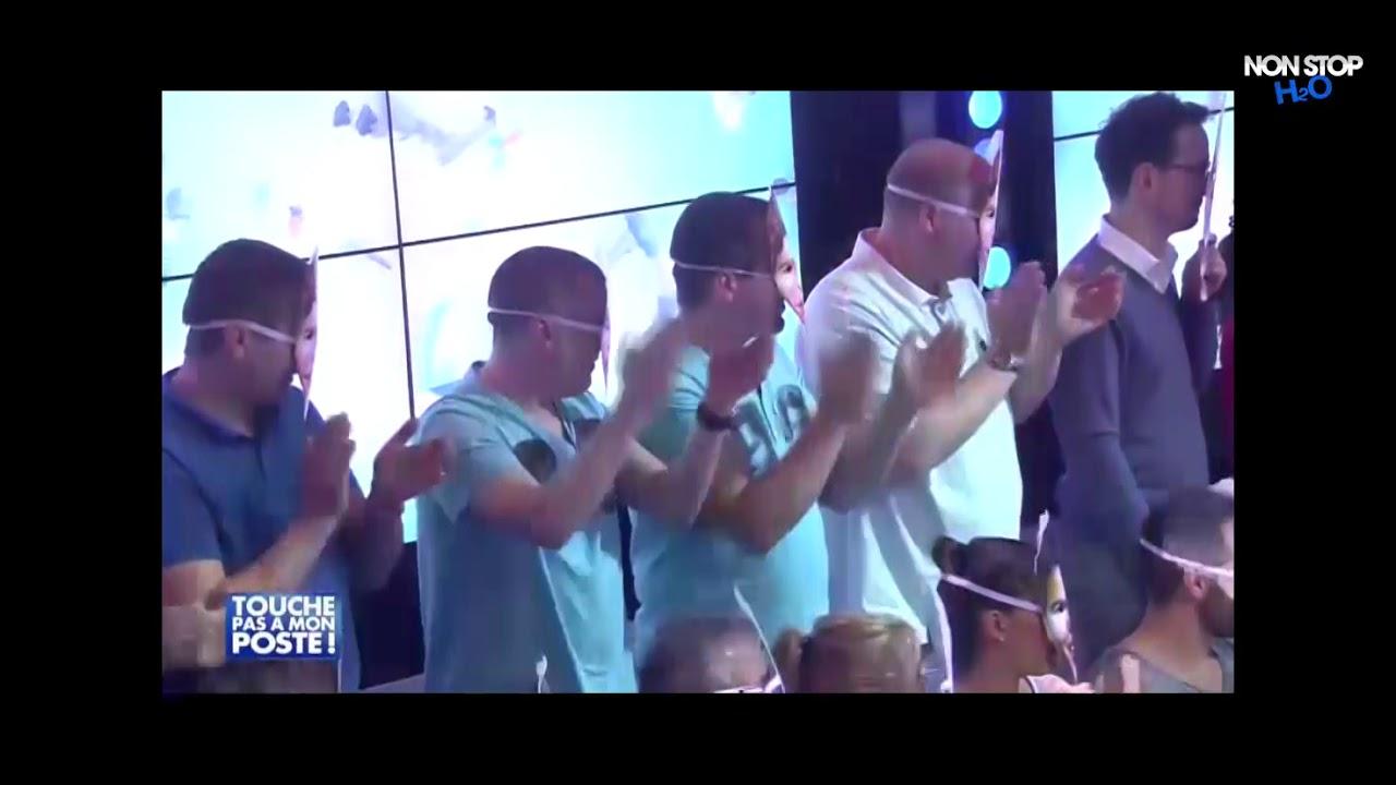 Cyril Hanouna chante en live