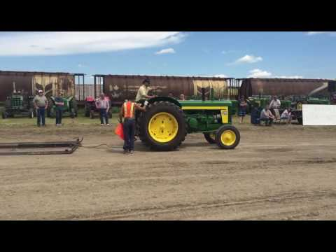 Blackie Alberta Antique Tractor Pull 2016