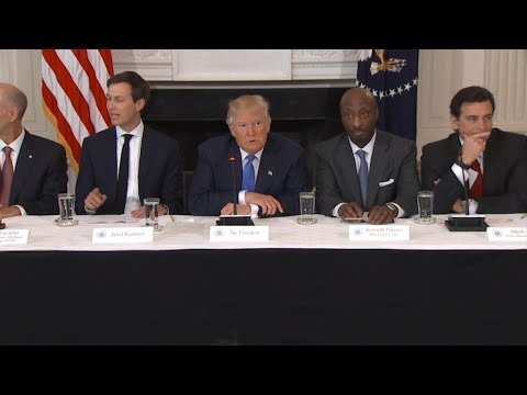 US business leaders abandon Trump after Charlottesville