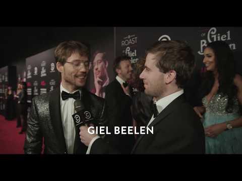 """""""Waar gaat Giel op gepakt worden?""""- op de loper bij de #GielRoast"""